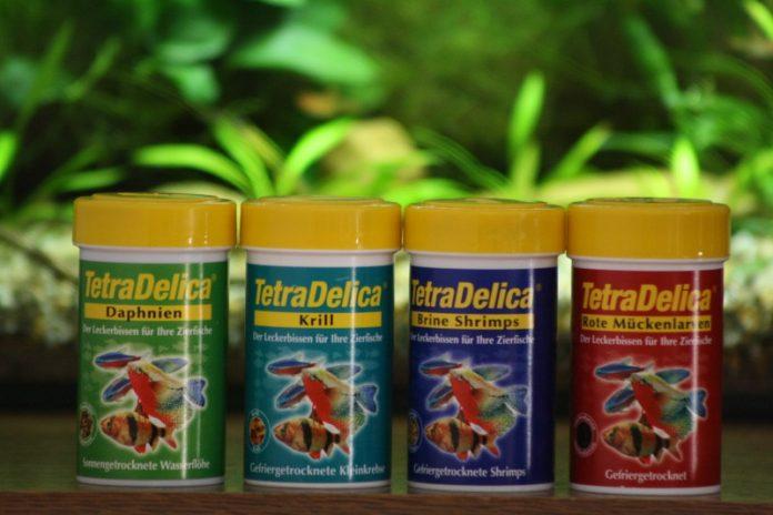 Die Delica Serie von Tetra bietet verschiedene Futtertiere Gefrier- oder Sonnengetrocknet an.